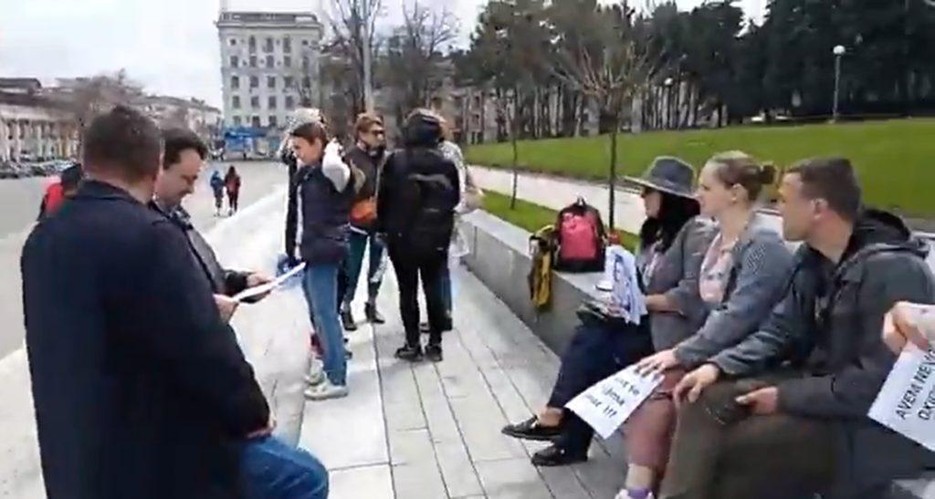 Вцентре Кишинева прошел протест против ношения масок