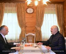 «Хорошо, что удержали ситуацию. Вымолодцы!» Зачто Додон похвалил Лукашенко
