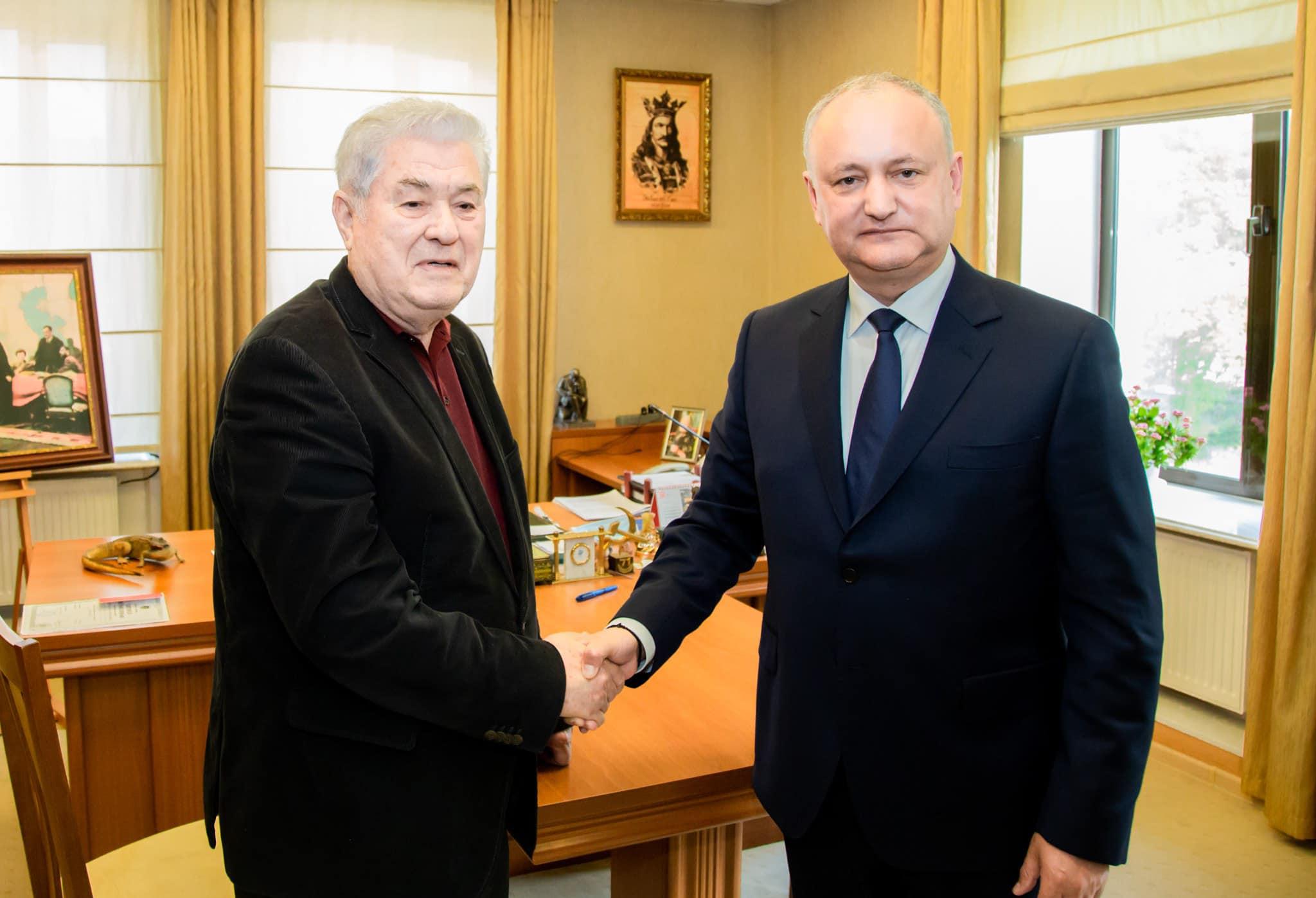 «Дапоможет нам Бог!». Додон иВоронин подписали соглашение осоздании предвыборного блока