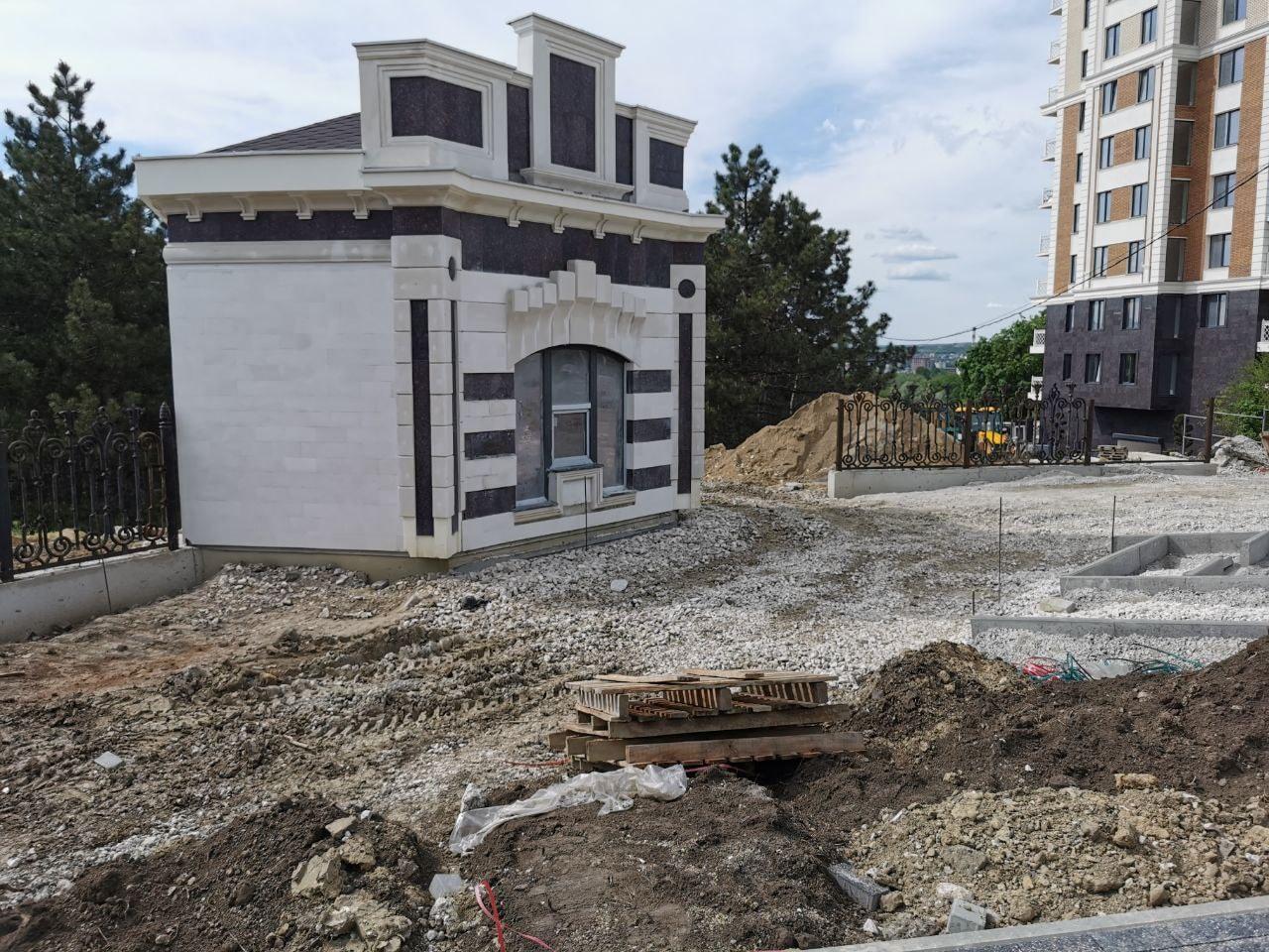 O nouă intrare pentru public, amenajată în parcul Dendrariu