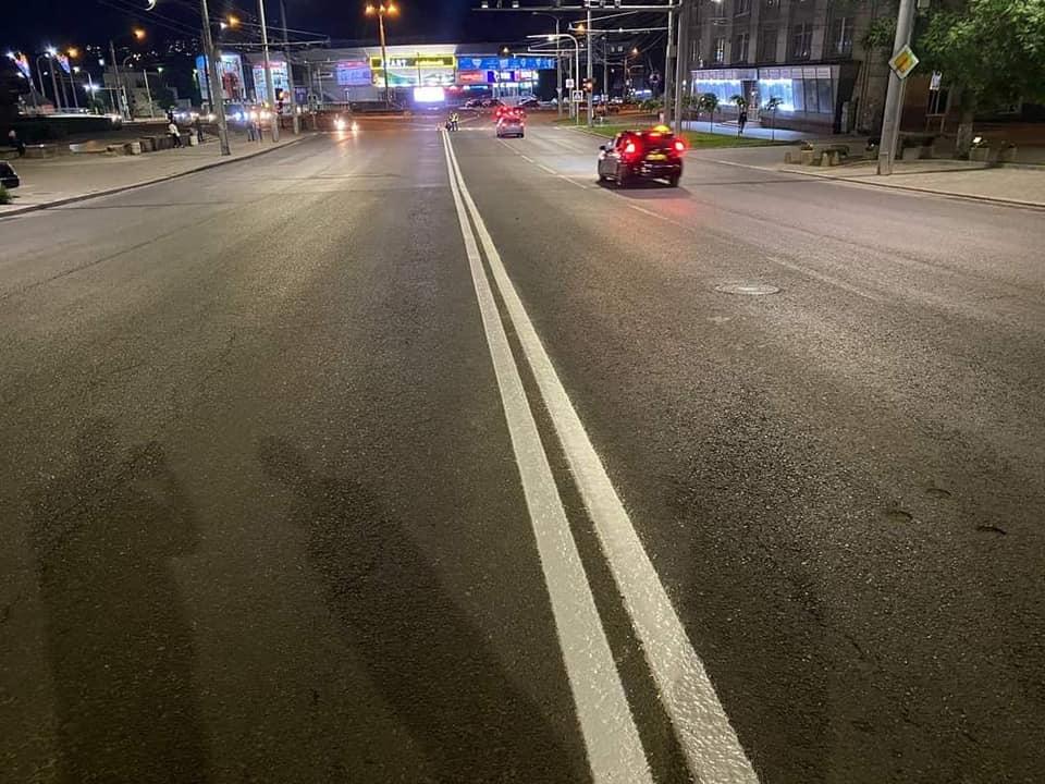 ВКишиневе начали наносить дорожную разметку нанескольких улицах (ФОТО)