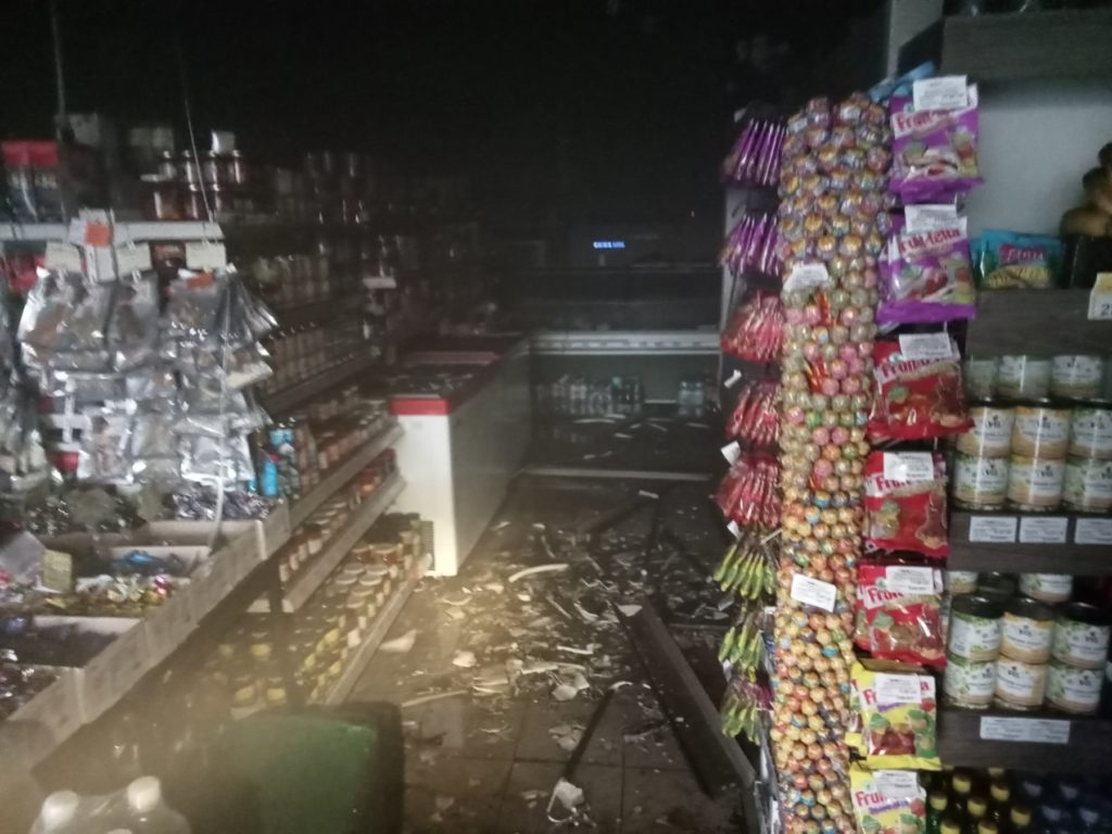 Incendiu matinal într-un magazin din apropierea Autogării Centrale din capitală (FOTO)