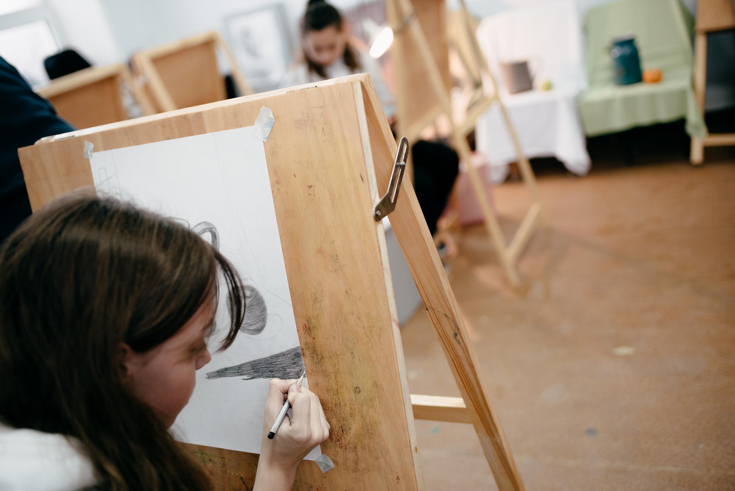 Художники своим творчеством рассказывают о гагаузском народе – его обычаях и национальной культуре
