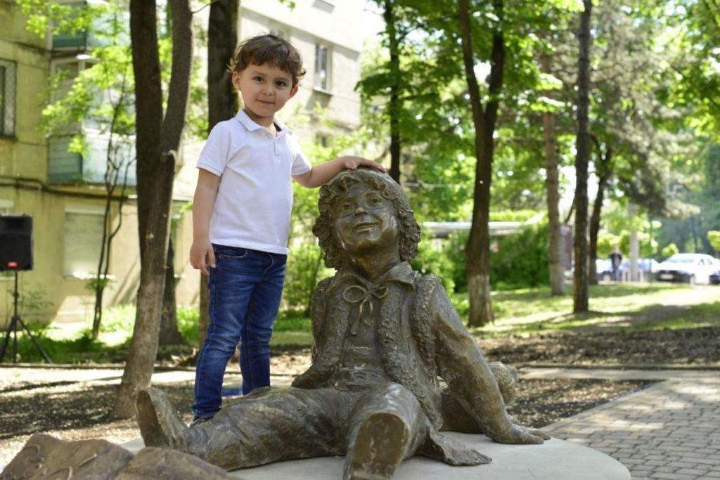 ВКишиневе открыли памятник Гугуцэ (ФОТО)