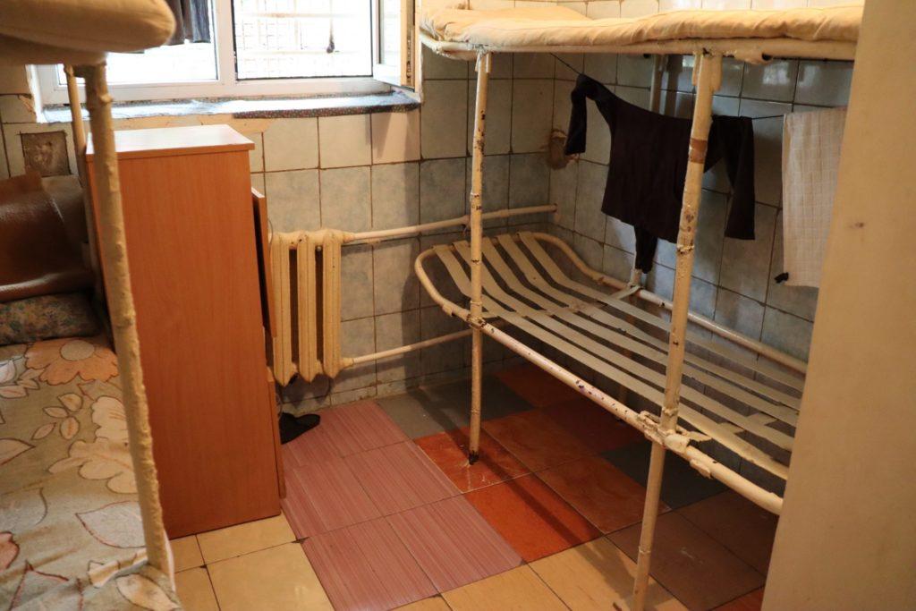 Переполненные камеры, отсутствие вентиляции иплесень. Правозащитники посетили тюрьму №13(ФОТО)