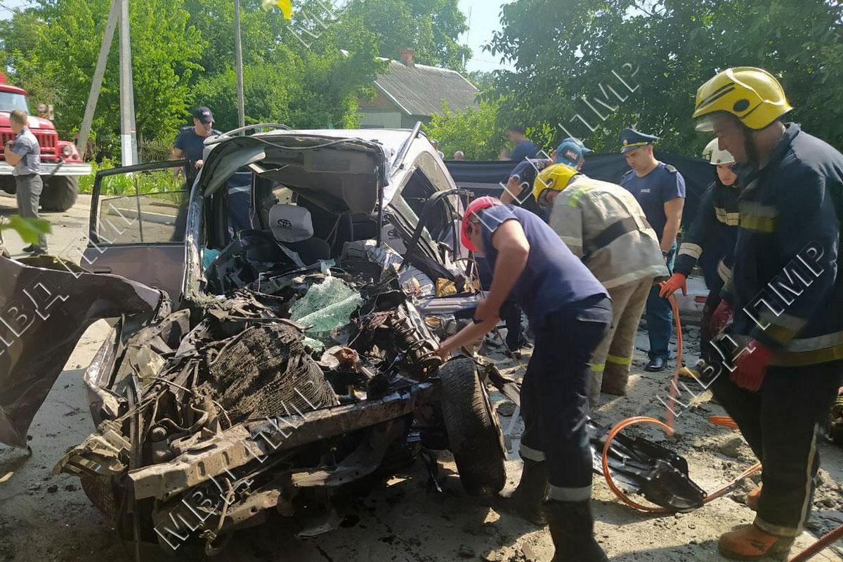 ВБендерах грузовик врезался вдва легковых автомобиля. Один человек погиб
