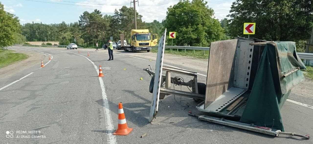 ВБричанском районе отсоединившийся прицеп стал причиной аварии (ФОТО)