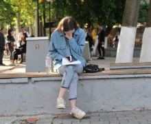 «Лишь немногие абитуриенты действительно хотят учиться дома». Как молдавские вузы теряют студентов