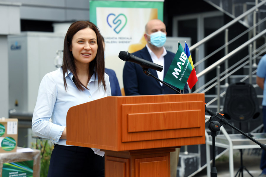 30 de ani de responsabilitate socială: MAIB donează dispozitive medicale de un milion de lei Institutului de Medicină Urgentă