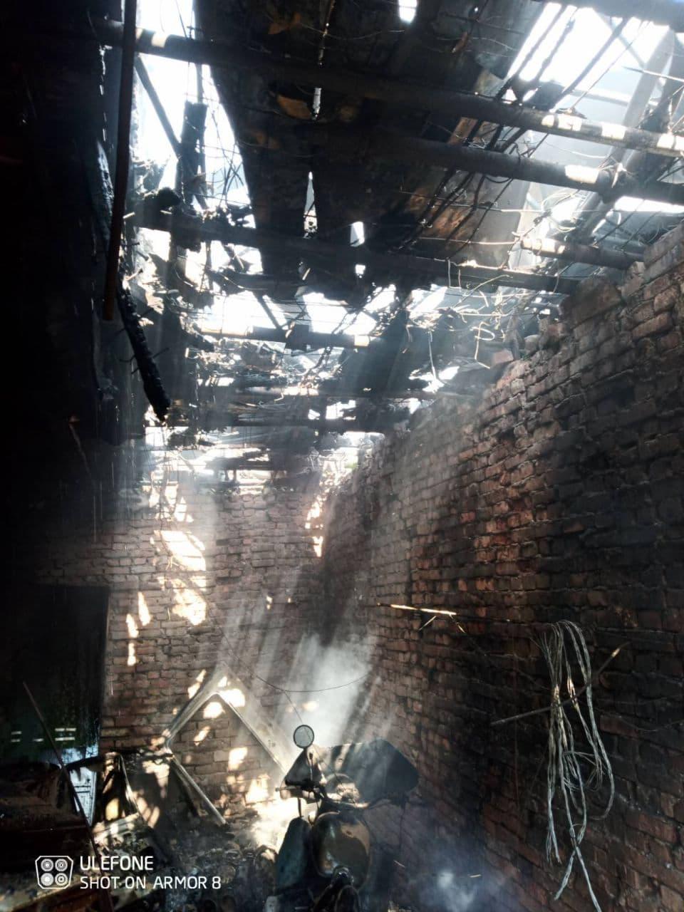 Un incendiu a izbucnit într-un sector de vile din nordul țării. Patru echipaje de pompieri au intervenit (FOTO)