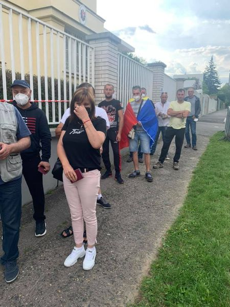 За границей проголосовали около 40 тыс. граждан Молдовы. Как голосует диаспора (ФОТО/ВИДЕО)
