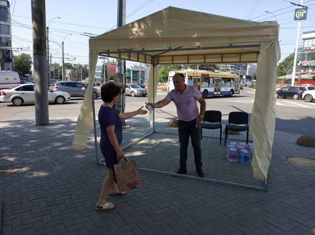 ВКишиневе установили палатки для защиты отжары (ФОТО)