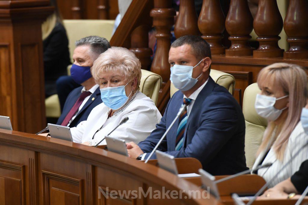 Заседание на час. Как новый парламент начал работу. Фоторепортаж NM