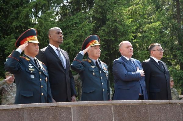 Чокой принял участие впроводах молдавских миротворцев вКосово (ФОТО)