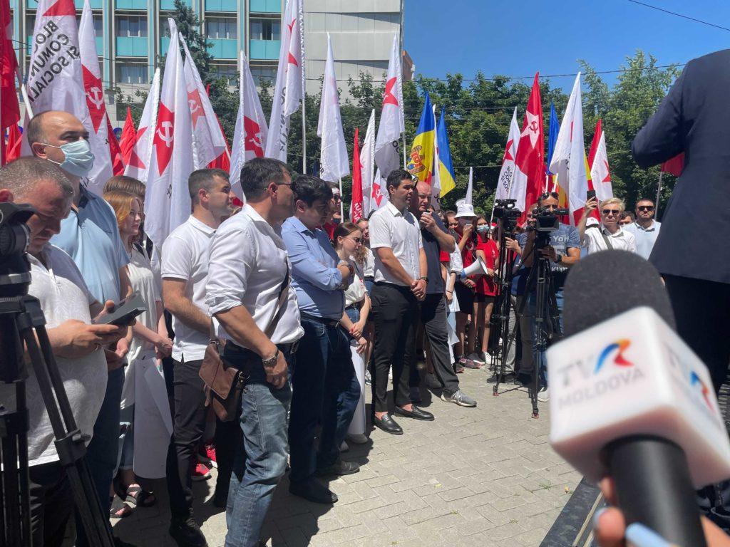 """""""Fiți gata să veniți la primul apel"""". Dodon a anunțat proteste la Președinție, dacă nu va fi recunoscută victoria PCRM-PSRM (FOTO)"""