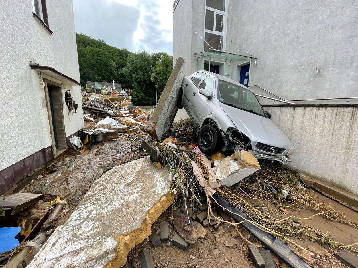 Inundații de proporții în vestul Germaniei. Cel puțin 42 de persoane au decedat (FOTO)