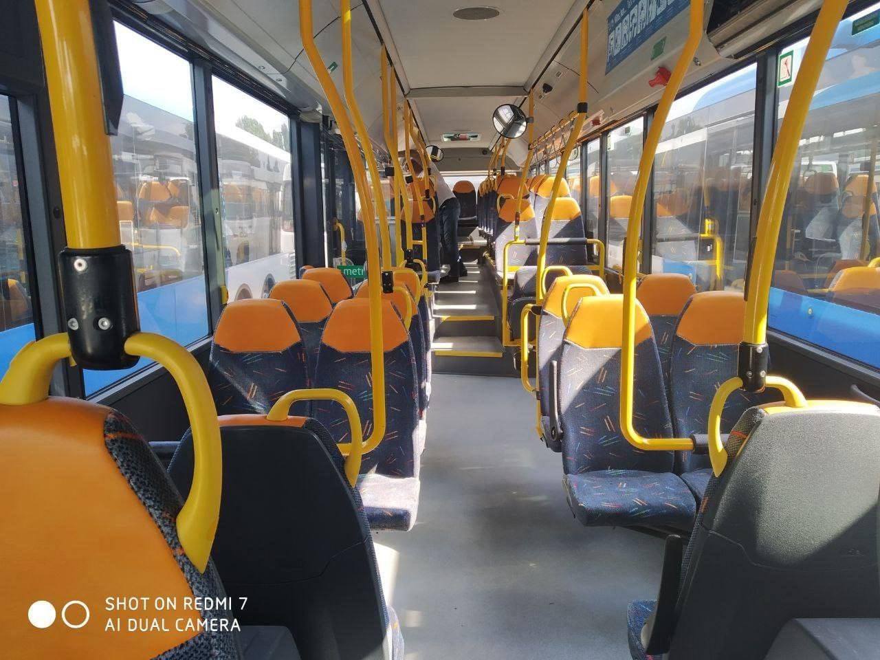 В Кишинев доставили еще девять автобусов с пробегом из Нидерландов (ФОТО)
