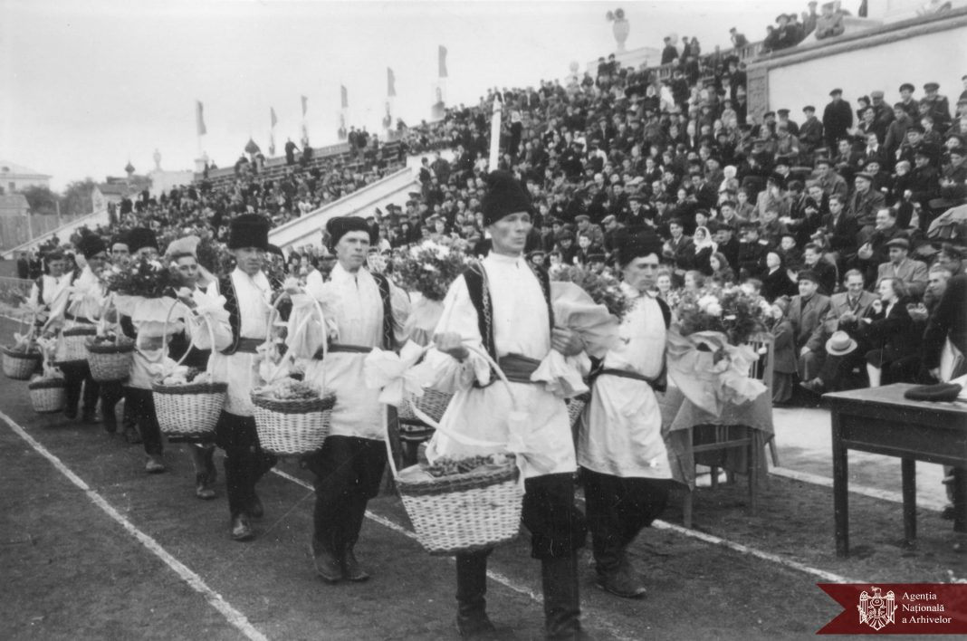 Cum arăta fostul Stadion Republican în perioada sovietică? Agenția Națională a Arhivelor a publicat mai multe fotografii