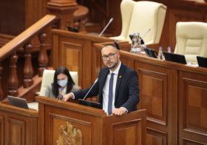Парламент соберется назаседание. Депутаты рассмотрят вотум недоверия министру юстиции Литвиненко