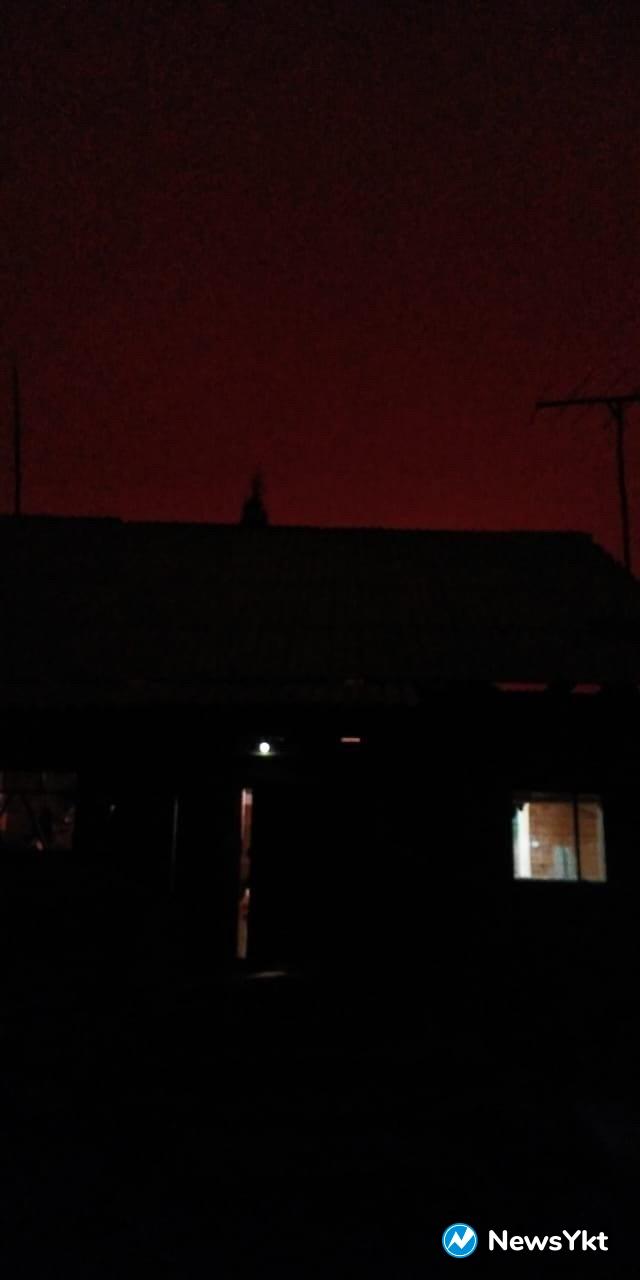 День превратился в ночь. ВЯкутии небо заволокло дымом от лесных пожаров (ФОТО)