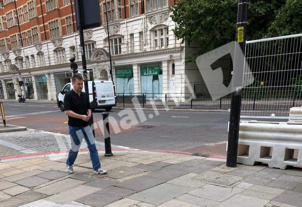 Jurnal TV опубликовал фото Платона в Лондоне. Ранее он «уехал в Прагу» (ФОТО)