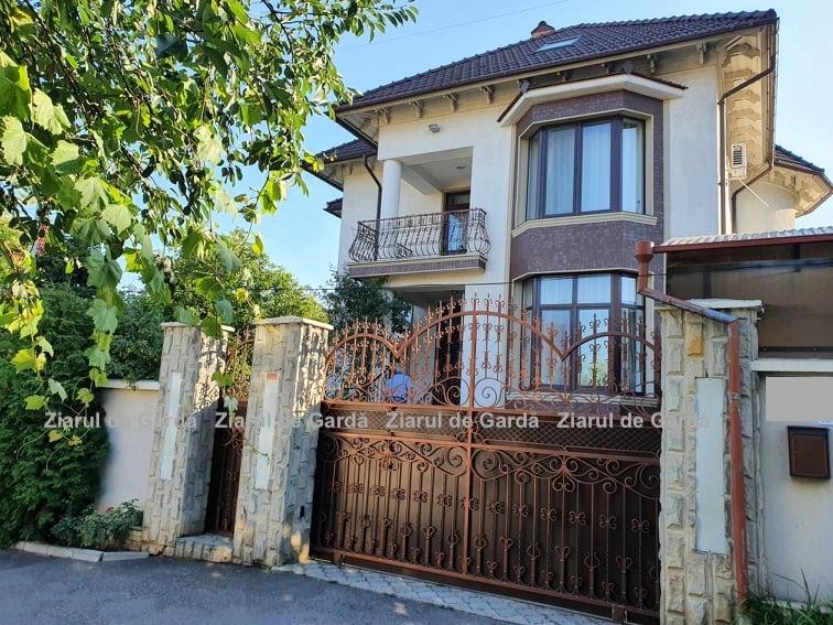 ZdG: Natalia Gavrilița locuiește într-o casă cu două niveluri. Imobilul nu se regăsește în declaraţiile sale de avere și interese personale