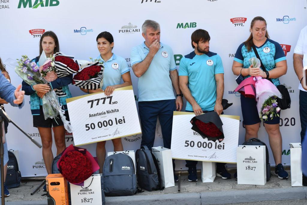 Молдавская олимпийская сборная вернулась домой. Как встречали спортсменов ваэропорту (ФОТОРЕПОРТАЖ)