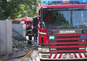 Incendiu într-un local din apropierea Circului din Chișinău. Patru autospeciale au intervenit (VIDEO)