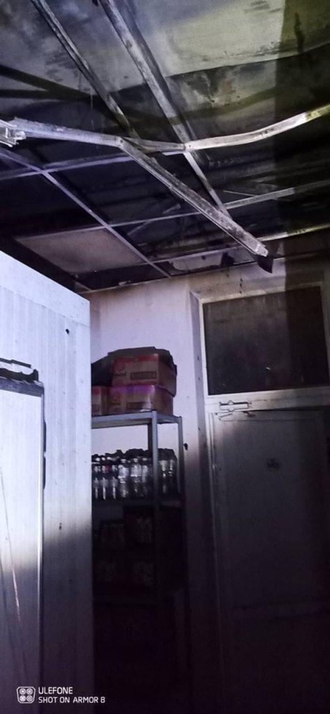 UPDATE Incendiu nocturn la o stație PECO din capitală. Cinci echipaje de pompieri au intervenit