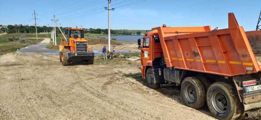 Alertă în Găgăuzia. Nivelul apei în lacul din apropierea orașului Comrat a crescut cu 1 m (FOTO/VIDEO)