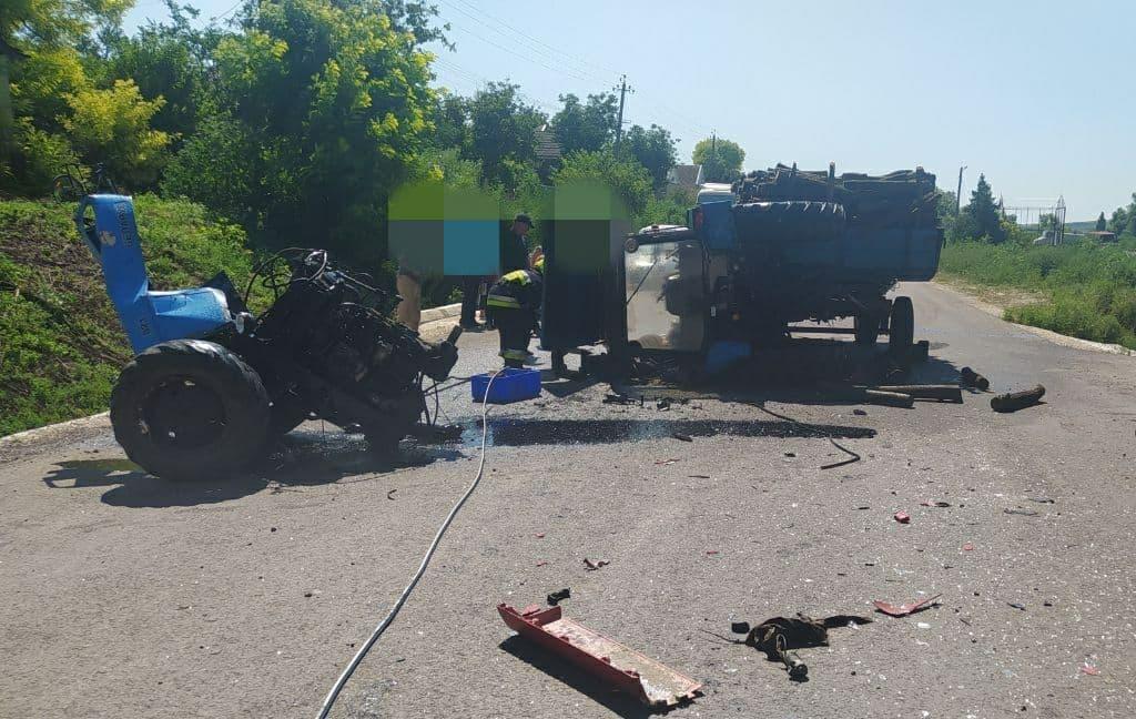 ВЧимишлийском районе фура врезалась втрактор. Один человек погиб