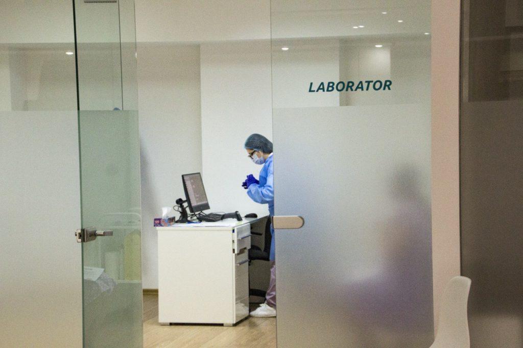 Самая большая лаборатория для тестирования антигенов TestRapid