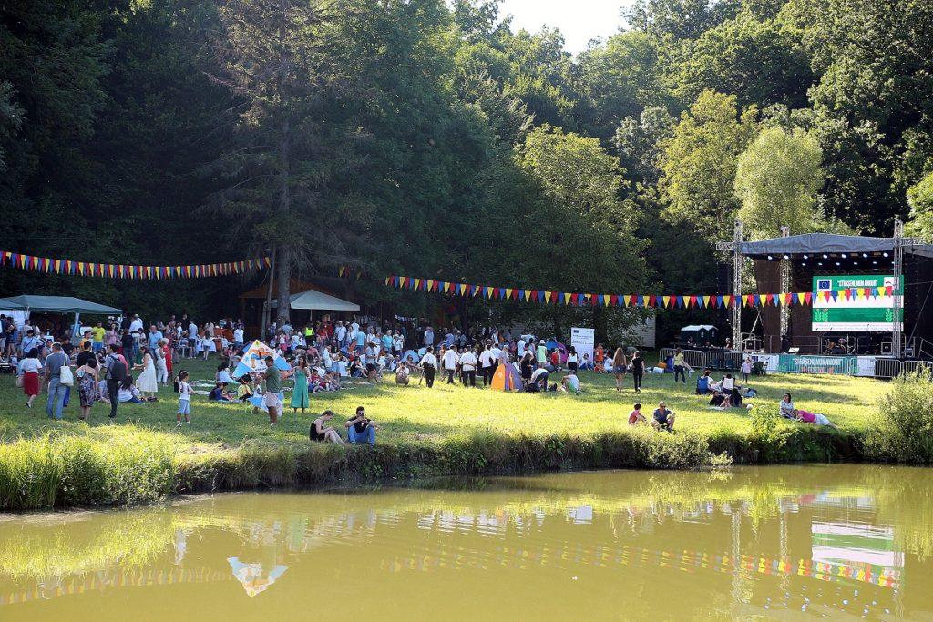 """Odihnă, informare, comunicare și Zdob și Zdub. Duminică, a avut loc Festivalul dedicat serviciilor publice și implicării civice, """"Strășeni, mon amour"""""""