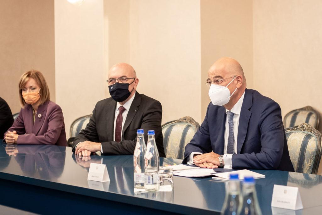 Președinta țării s-a întânit cu ministrul de Externe al Greciei. Despre ce au discutat?