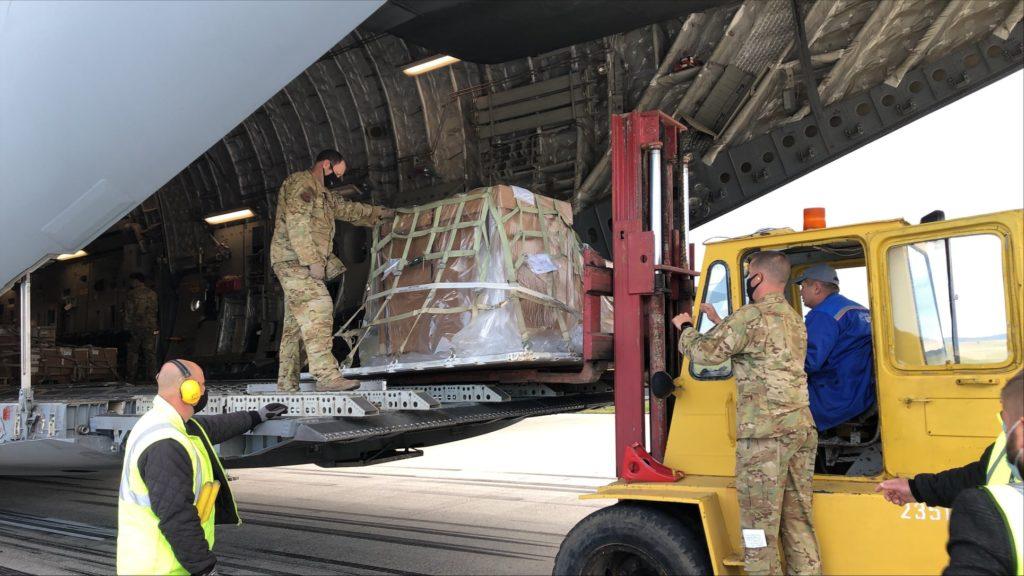 Prima parte dintr-un lot de echipament militar în valoare de $5 mln a ajuns la Chișinău. SUA a contribuit cu $4 mln