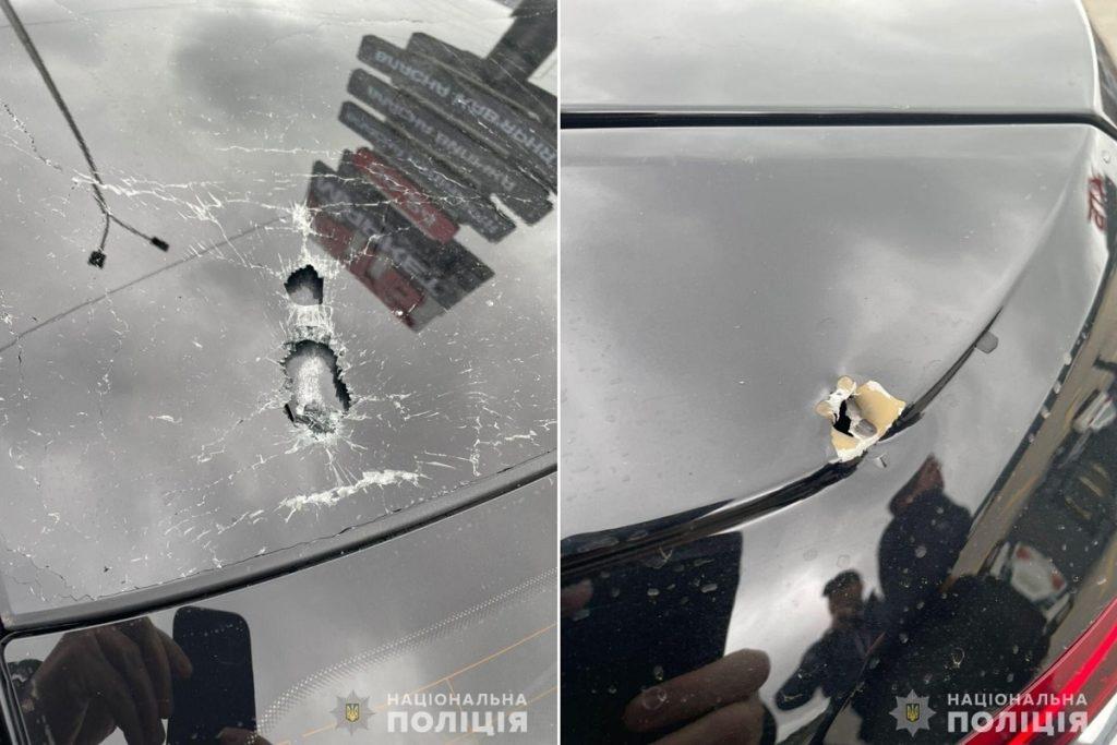 Mașina principalului consilier a lui Zelenski a fost ținta unor focuri de armă (FOTO)