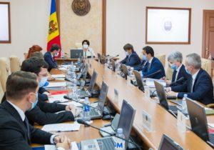 Президентка, депутатка, режиссерка? В Молдове официально вводят феминитивы для профессий (DOC)