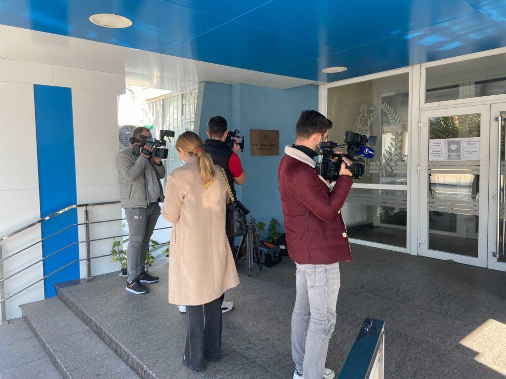 Jurnaliștii nu au fost lăsați să asiste la ședința de judecată a lui Pînzari și Damir. Paza a declanșat butonul de alarmă (FOTO)