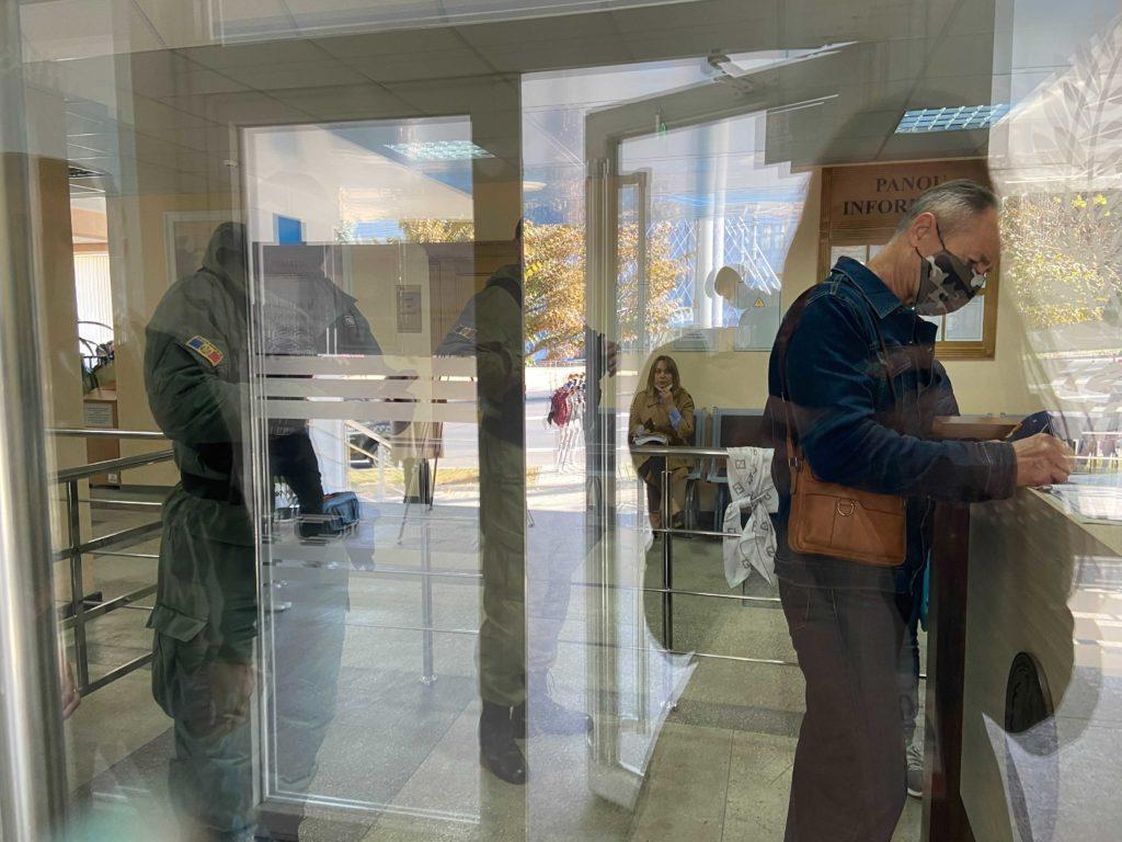 Суд Пынзаря и Дамира пройдет за закрытыми дверями? Журналистов не впустили на заседание (ОБНОВЛЕНО)