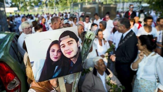 «Ваша честь, вэтой урне прах моих детей». Как дают показания родные погибших пассажиров рейса MH17 (ВИДЕО)