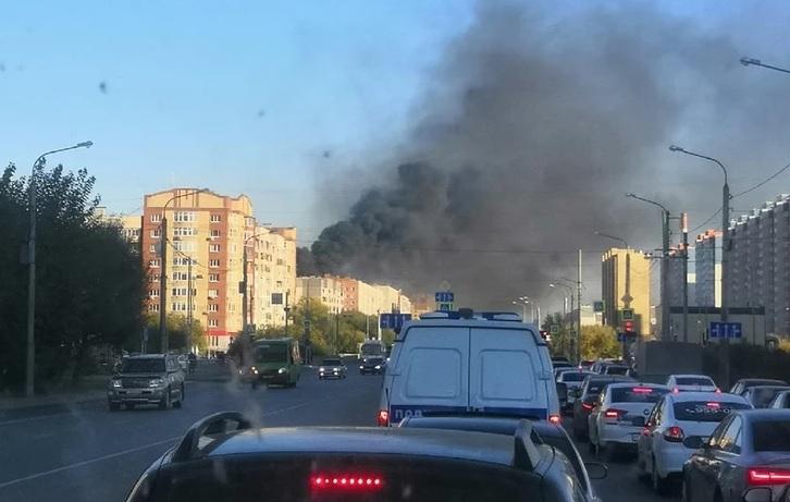 Крупный пожар вТюмени. Горит девятиэтажный дом (ВИДЕО, ФОТО)