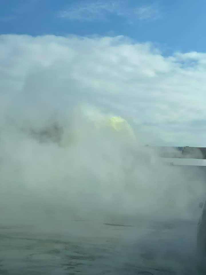 ВКишиневе прорвало теплотрассу. Горячая вода лилась напроезжую часть (ФОТО, ВИДЕО)