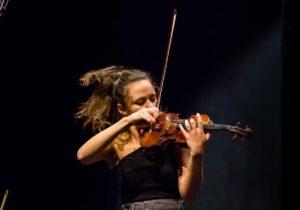 Одну излучших скрипачек Молдовы подозревают впопытке контрабанды. Что сказал министр культуры?