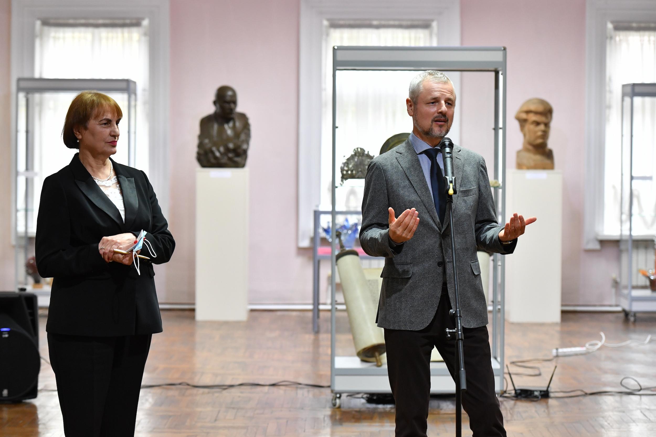 ВКишиневе открылась выставка «Еврейское присутствие вистории, культуре ипамяти Молдовы» (ФОТО)