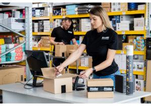 Ai un magazin online? Iată cum îți crești competitivitatea și vizibilitatea pe piață prin e-fulfillment
