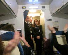 Лоукостер Ryanair призвал пассажиров нехлопать в самолете при приземлении
