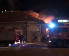 В центре Кишинева ночью произошел пожар (ВИДЕО)
