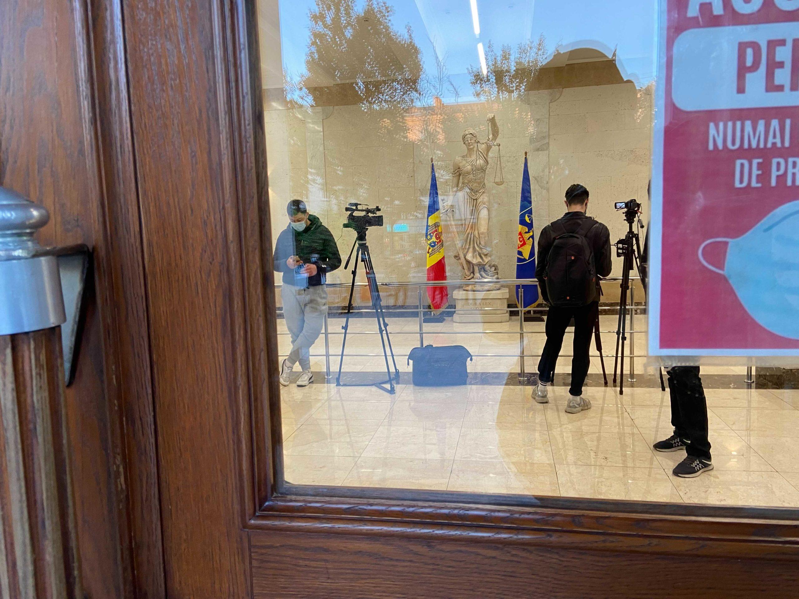 Обыск вместо пресс-конференции в Генпрокуратуре. Стояногло задержали LIVE/TEXT
