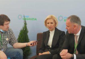 """""""Frecările pe sub masă"""" și """"Putin, politician înțelept"""". Cum Irina Vlah și Vitalie Dragancea au acordat împreună un interviu presei din România"""