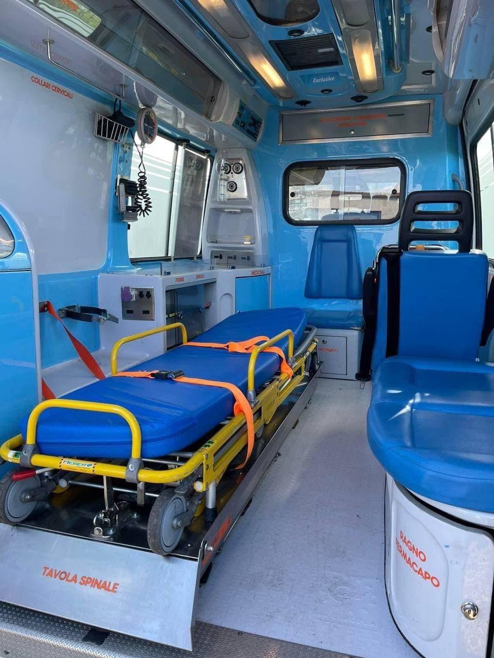 В Кишинев доставили две машины скорой помощи, подаренные Италией (ФОТО)